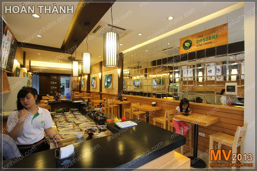 Interiér restaurace rychlého občerstvení