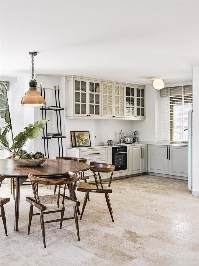 khu bếp đơn giản mang phong cách Scandi pha lẫn tân cổ điển