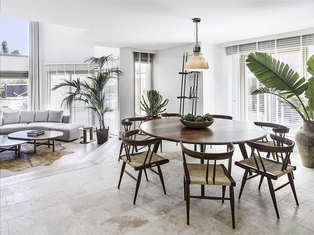 Bộ bàn ghế ăn giản đơn làm nổi bật vẻ đẹp Bắc Âu trong phong cách