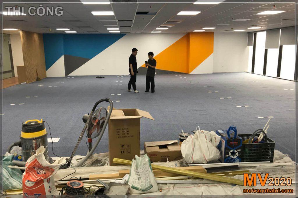 عملية بناء أثاث المكاتب
