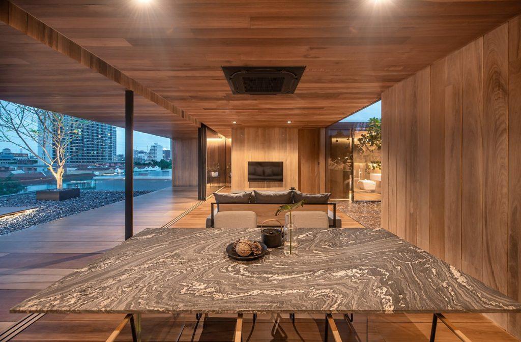 Bộ bàn ghế sang trọng tại phòng ăn của căn hộ penthouse