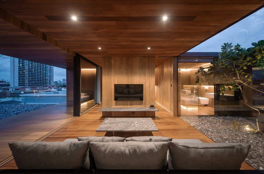 Nội thất phòng khách của căn hộ penthouse đơn giản, sang trọng
