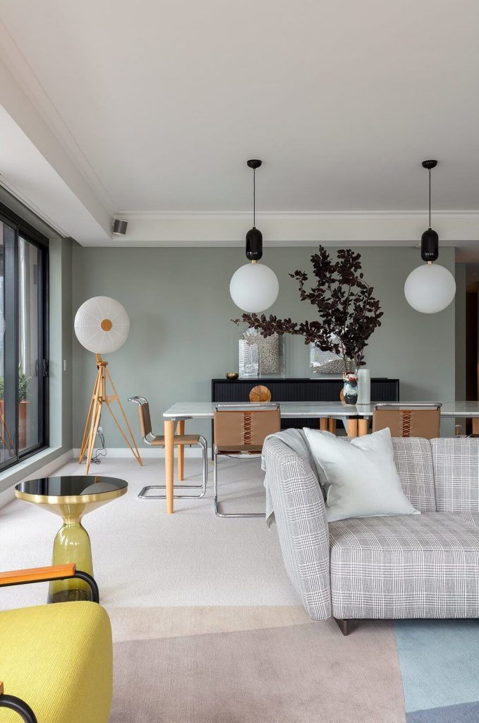 APARTMENT WITH DIVERSE DESIGN STYLE, RICH ART