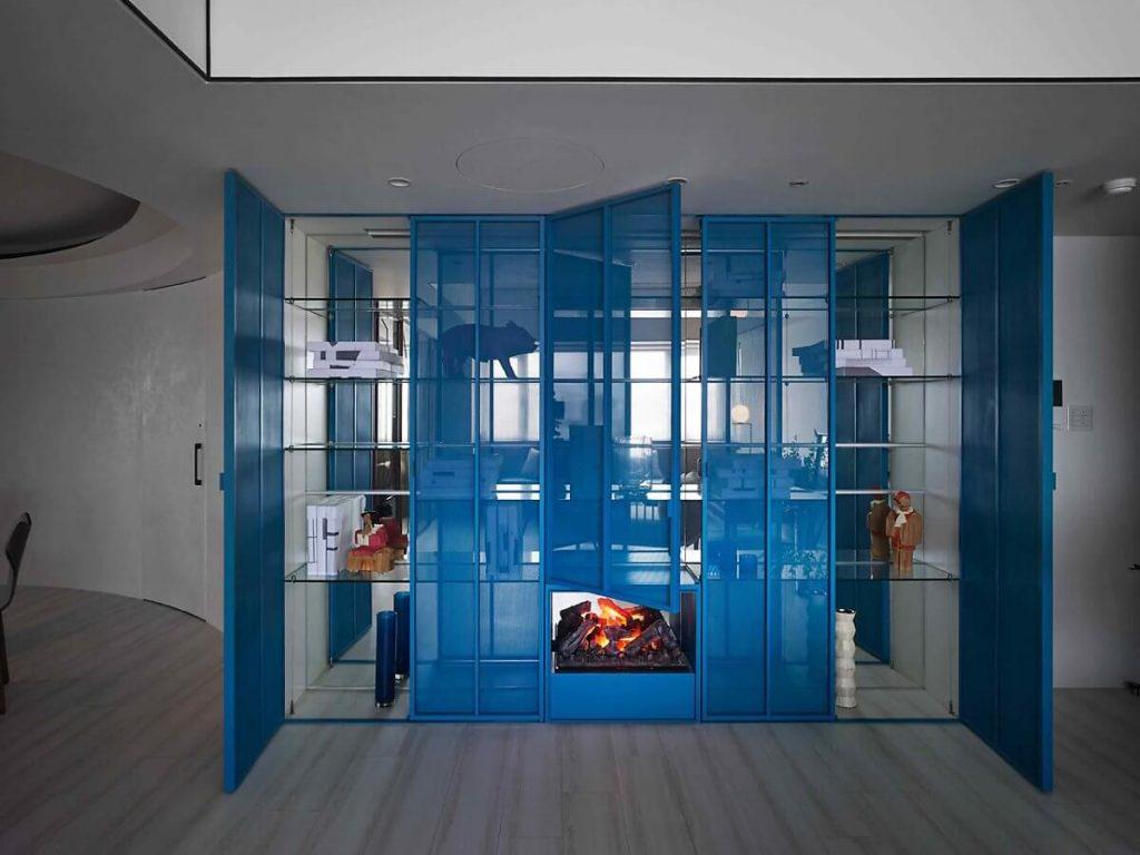 Tủ kính màu xanh đặc trưng của phong cách retro
