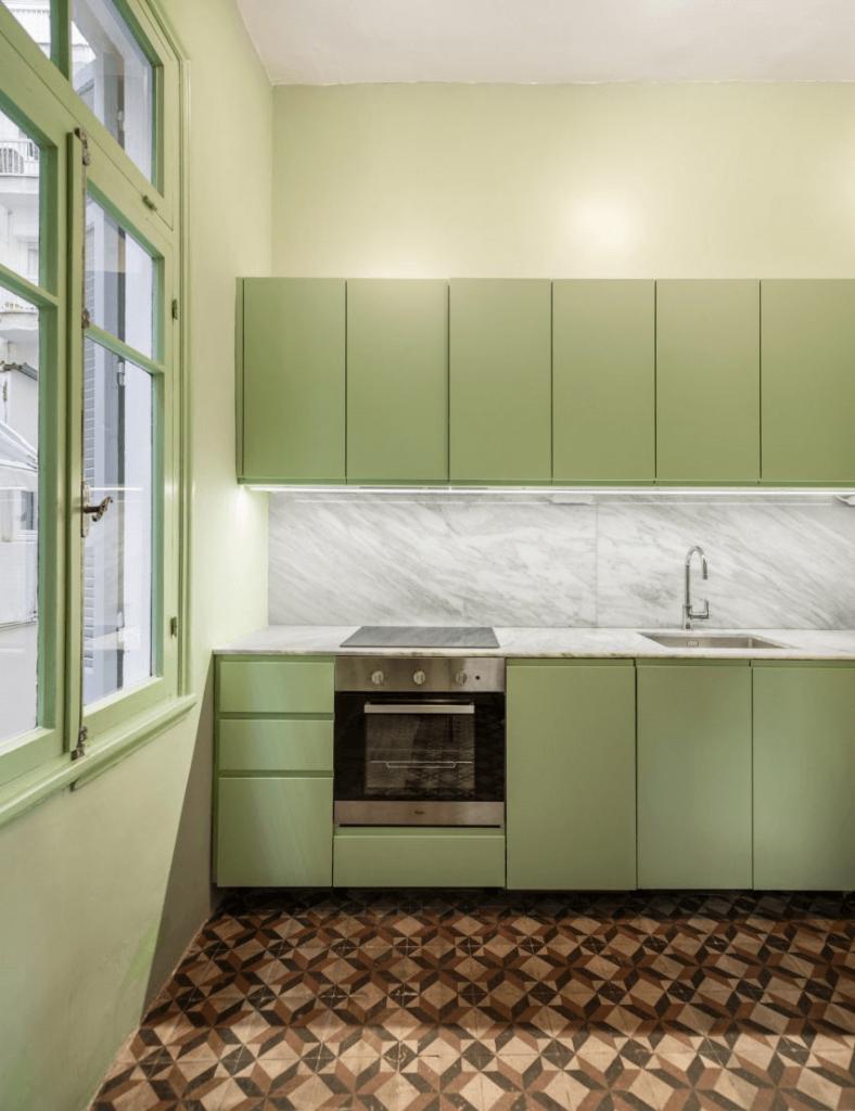 cách chọn màu tủ bếp theo màu của căn phòng