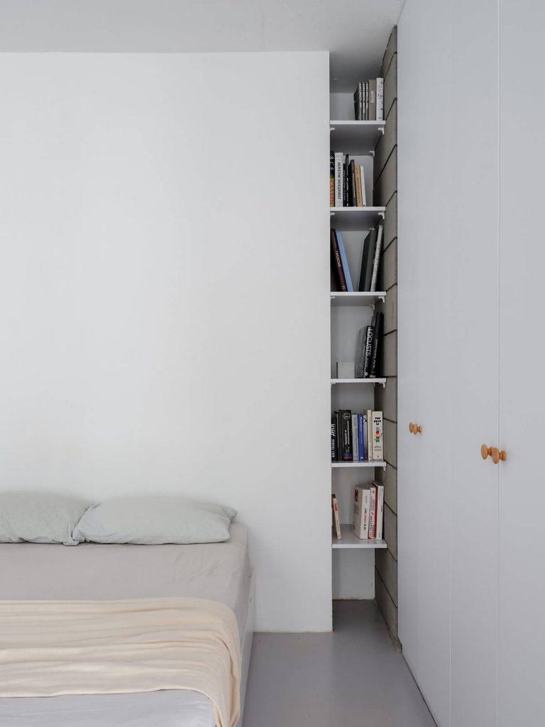 phòng ngủ với cách sắp xếp, và nội thất mang phong cách tối giản thông minh