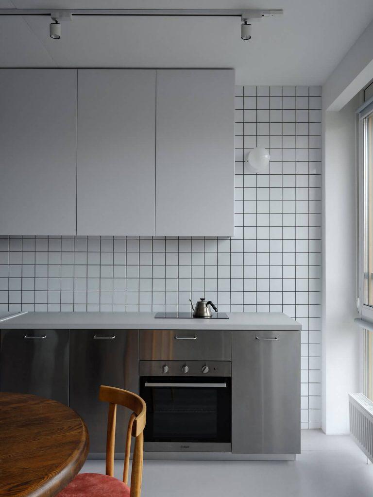 Tủ bếp đơn giản là đặc trưng của phong cách tối giản