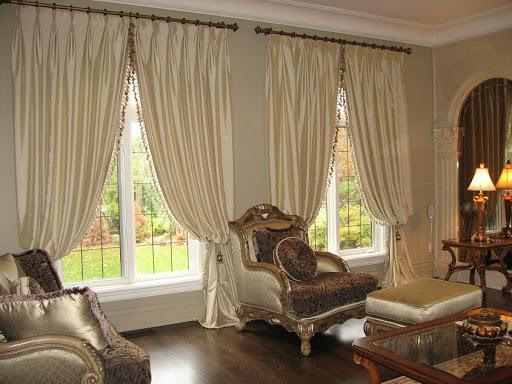 rèm cửa phòng khách phong cách cổ điển