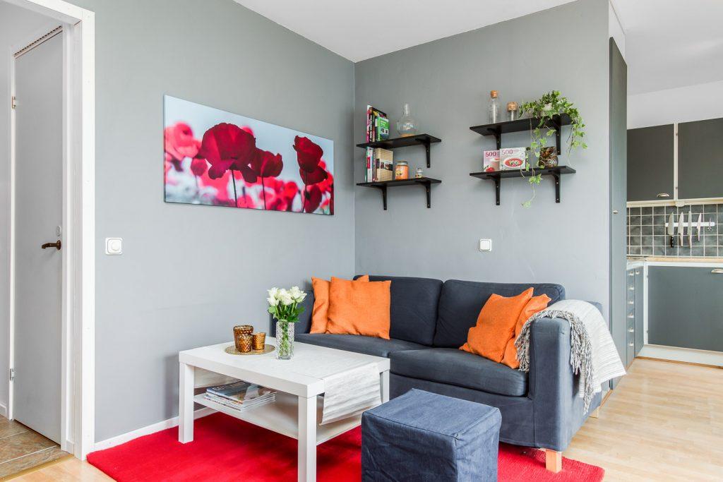 Phòng khách với bộ bàn ghế sofa đẹp - thiết kế nhà cho người mệnh mộc