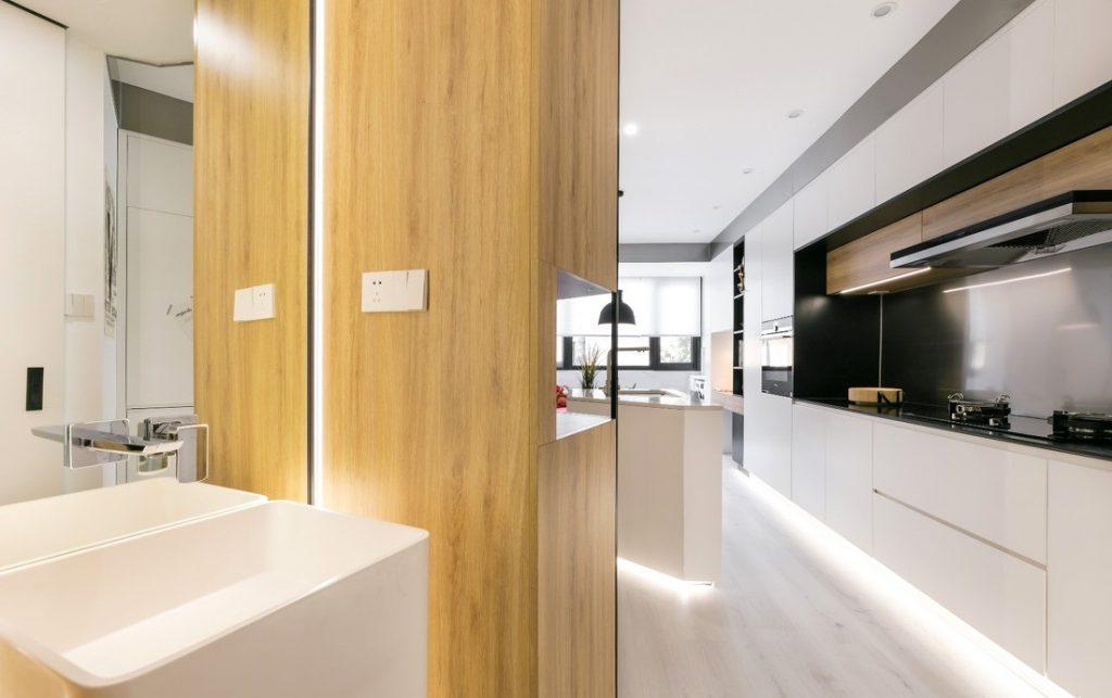 hành lang chính có bồn rửa tay hệ thống gương và điện - căn hộ studio diện tích nhỏ