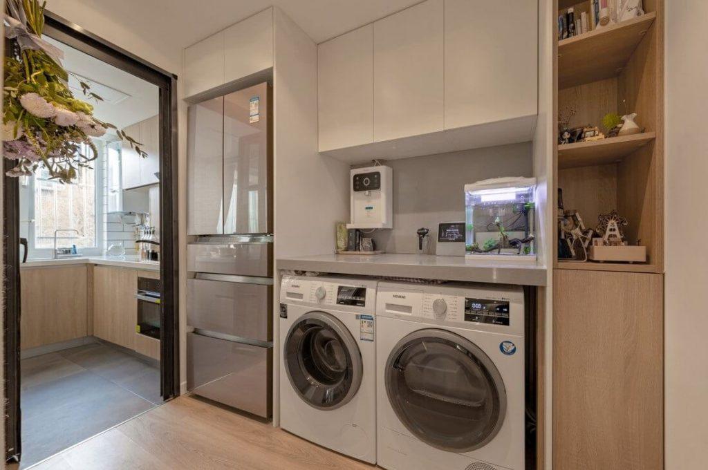 bố trí tủ lạnh máy giặt máy sấy tủ gỗ công nghiệp gọn gàng trật tự
