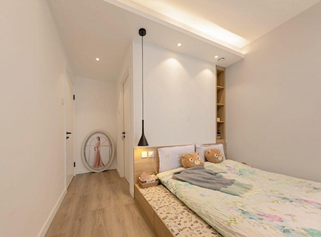 giường chính, kệ tủ đèn ngủ và đồ trang trí decor - nội thất chung cư mini