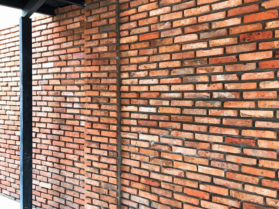 بلاط الجدران الخارجية