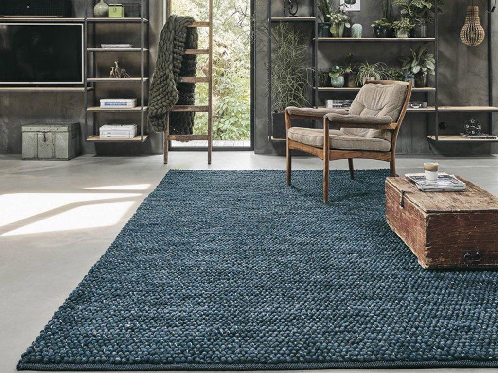 thảm tông màu xanh đậm