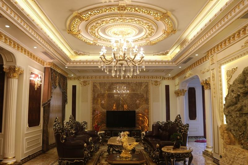 Mẫu trần thạch cao dát vàng cho phong cách cổ điển