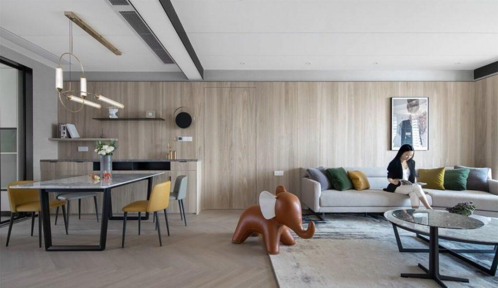 L'espace de vie spacieux est un équipement de mise en page ventilé bel appartement raisonnable