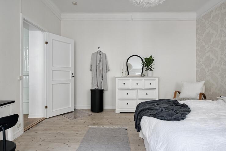 Các đồ nội thất đơn giản trong phòng ngủ