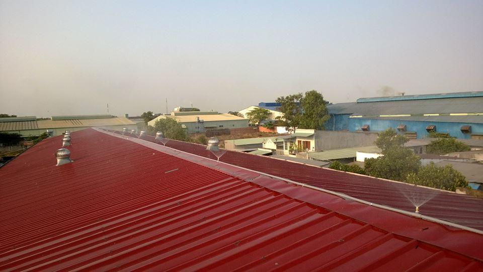 hệ thống phun nước cho mái nhà