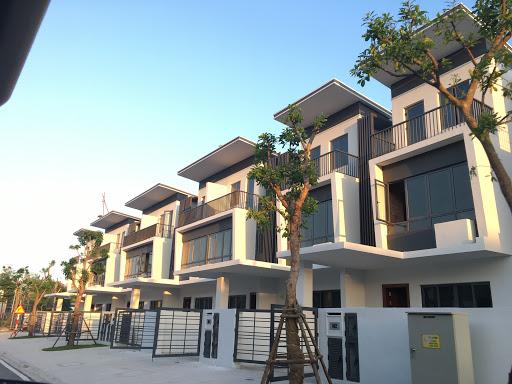 Rumah berdampingan modern