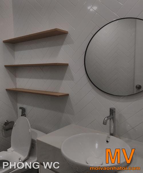 gạch họa tiết chevron lát tường phòng vệ sinh