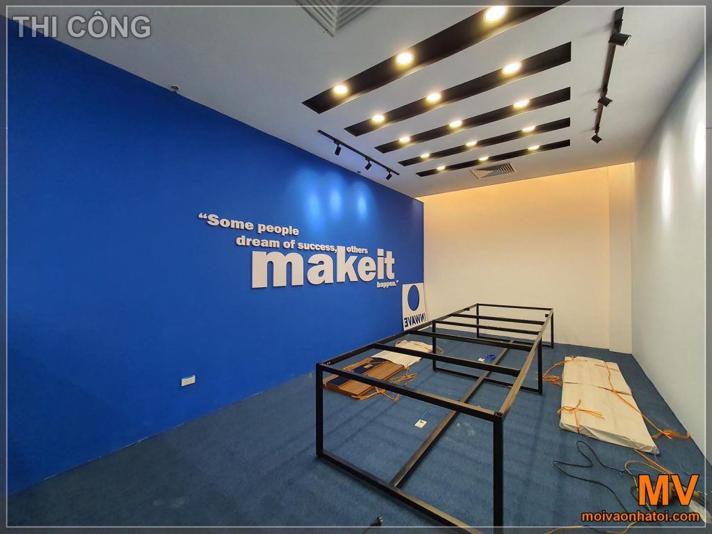 Pittura murale decorativa grande sala riunioni ufficio tappezzato