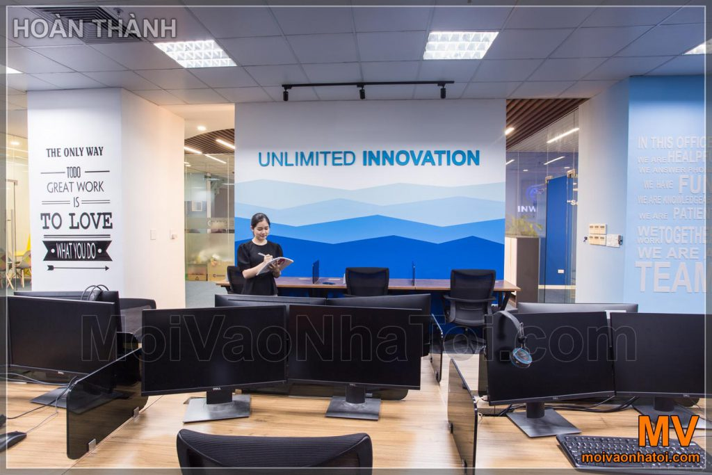 Progettazione di array di pareti decorative per ufficio blu