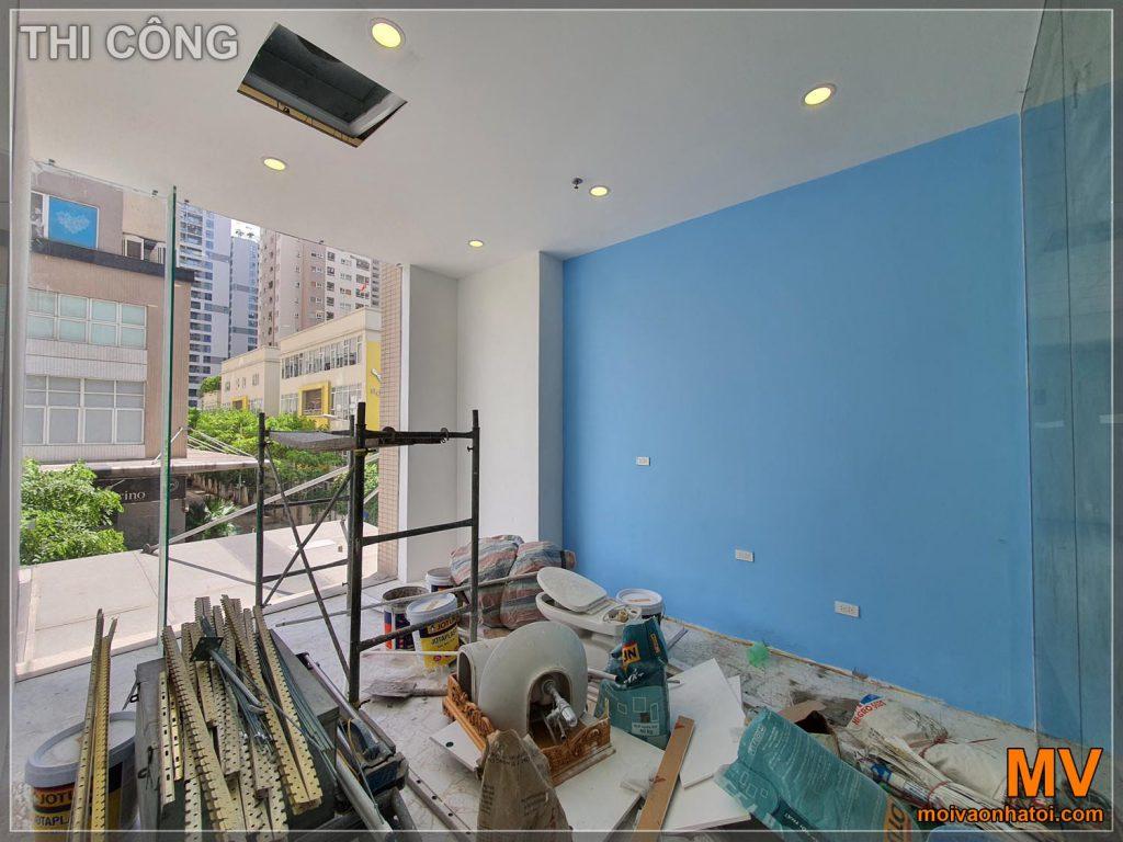 Процес будівництва офісної комори
