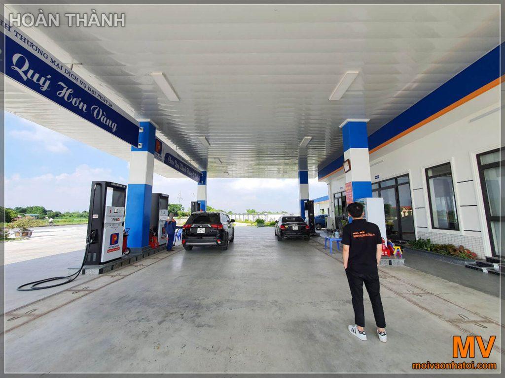 hoàn thiện góc chính cửa hàng xăng dầu