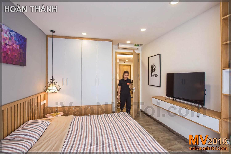 Phòng ngủ lớn đơn giản tiện nghi Chung cư Đặng Xá