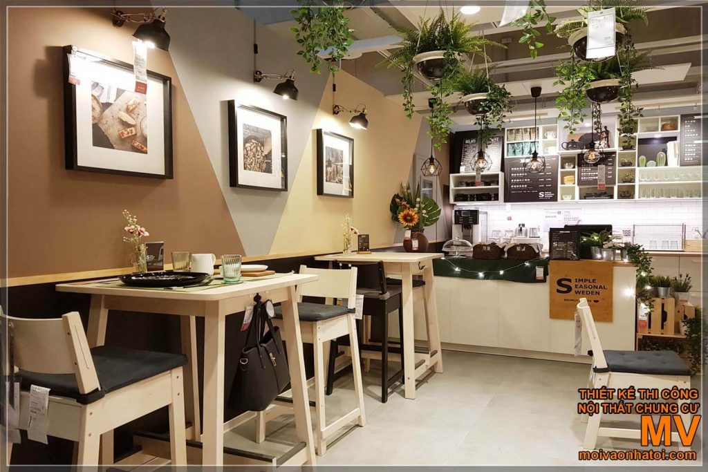 Choose decoration details when designing a town house cafe