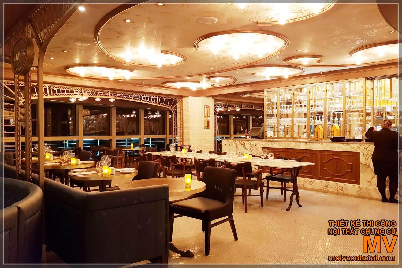 Nhà hàng du thuyền 5 sao