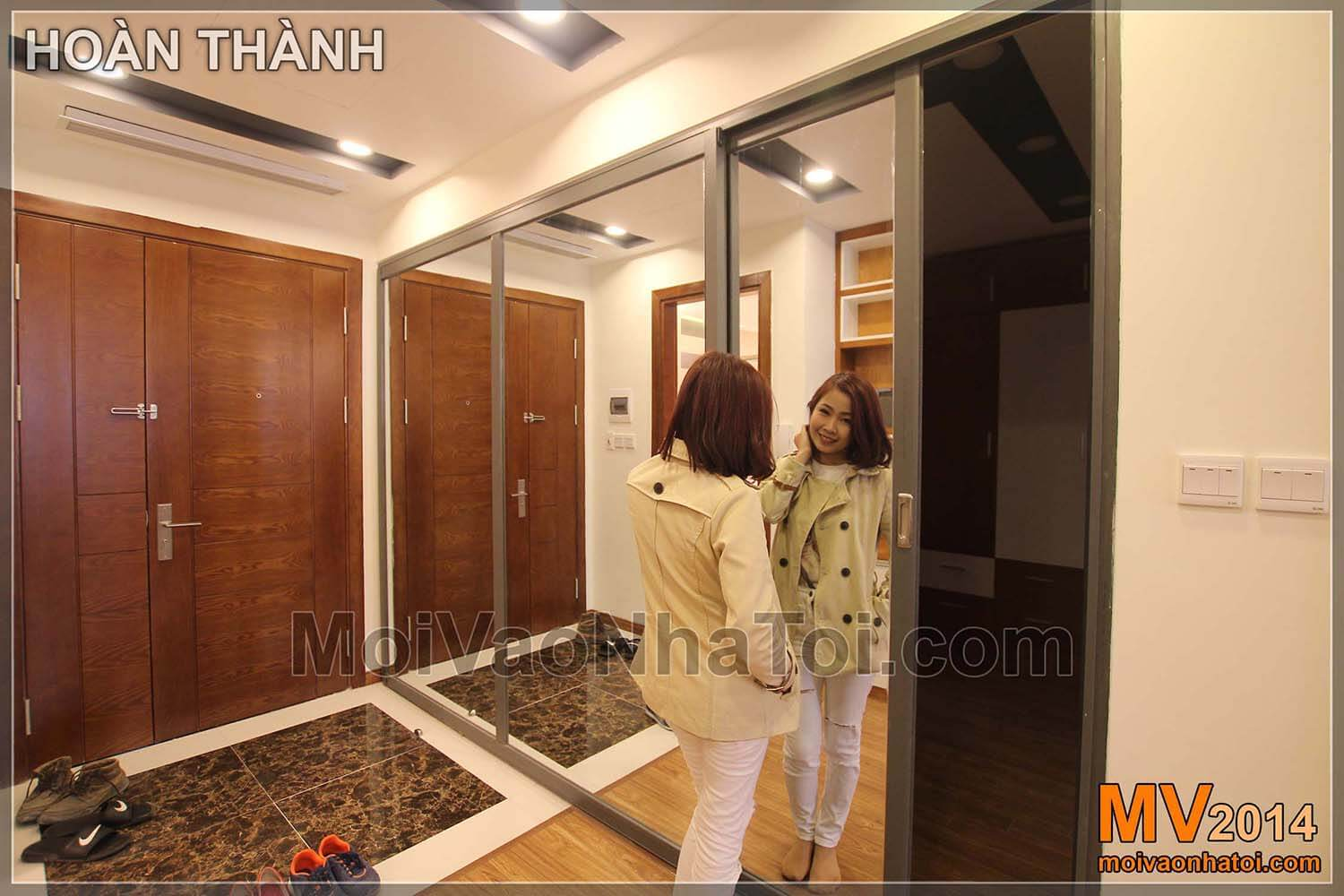 constructing a combination of mirror and starcity apartment door