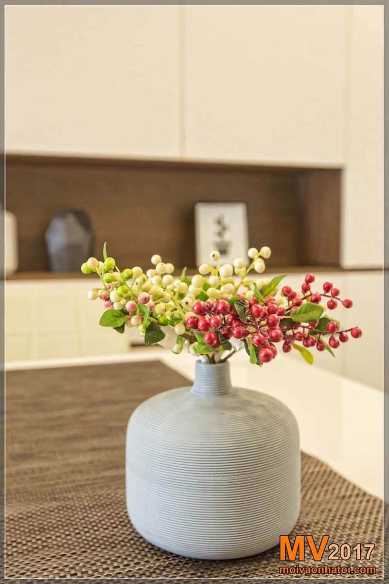Decorative fake vase