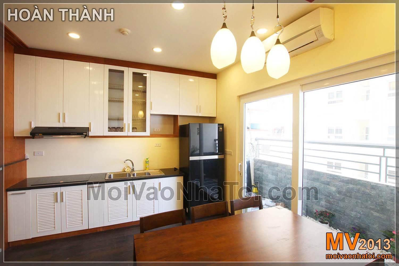 khu cực bếp và bàn ăn chung cư Nam Đô Complex