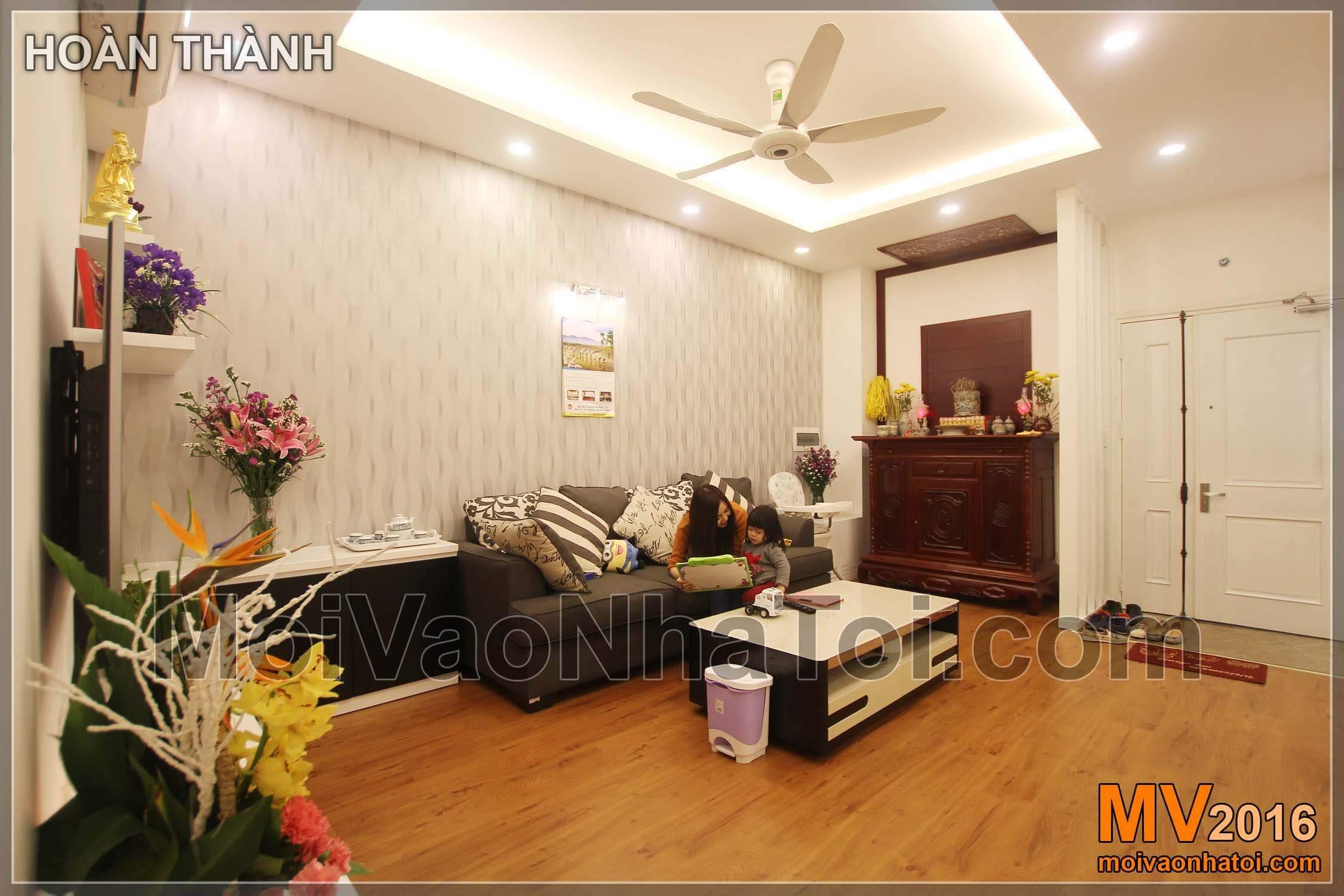 Phòng khách và bàn thờ gia tiên chung cư Vinaconex 7.thiết kế chung cư 105m2