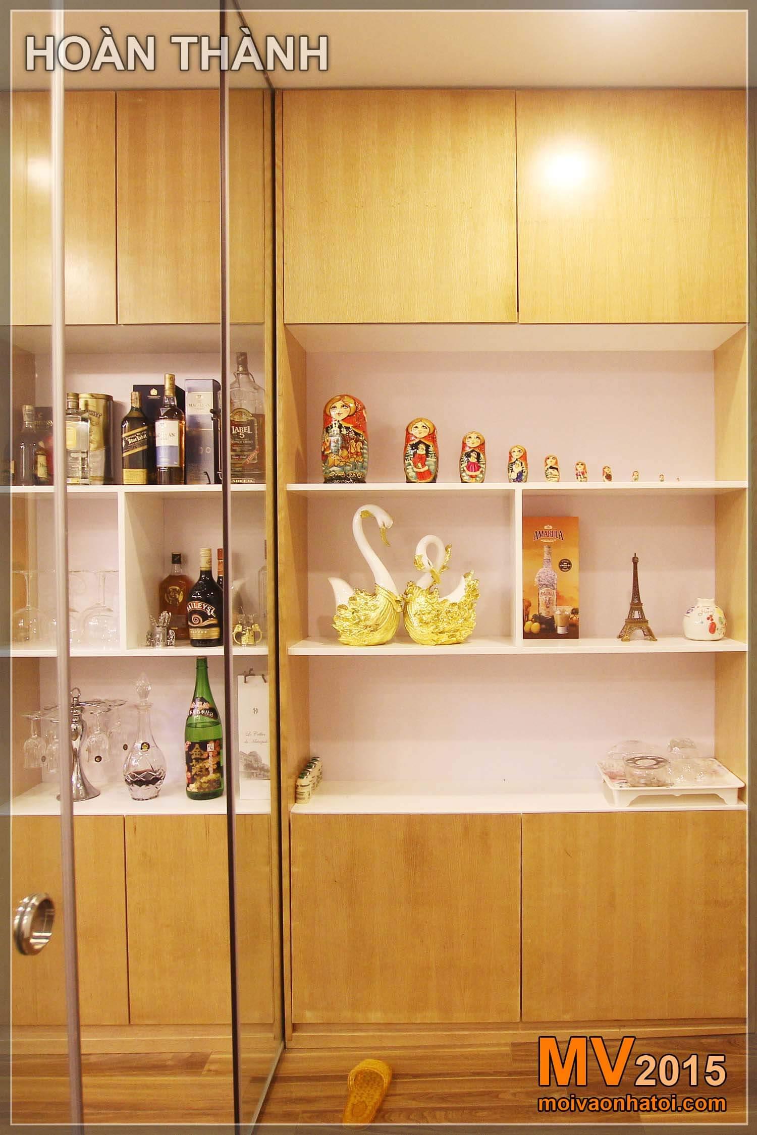Phá tường ngăn để biến tủ bếp thành tủ rượu