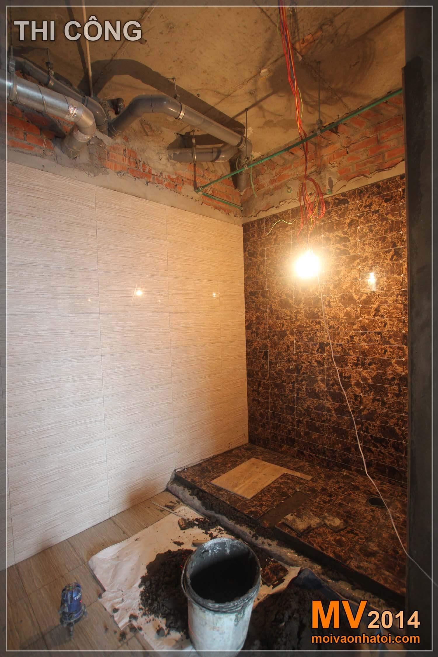 Phòng tắm đứng wc quá trình thi công