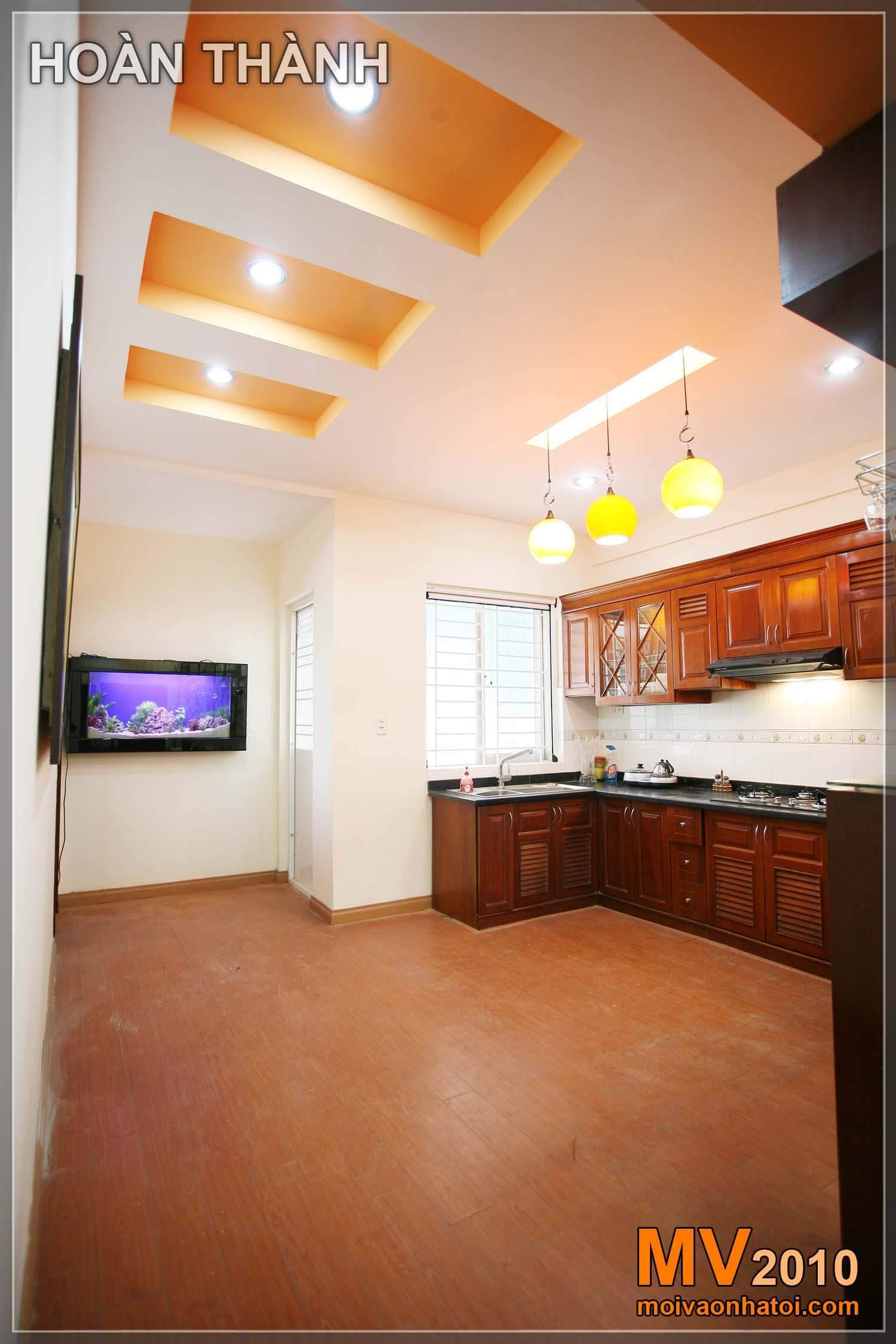 Phòng bếp đẹp và sinh động hơn với trần thạch cao và cách bố trí ánh sáng