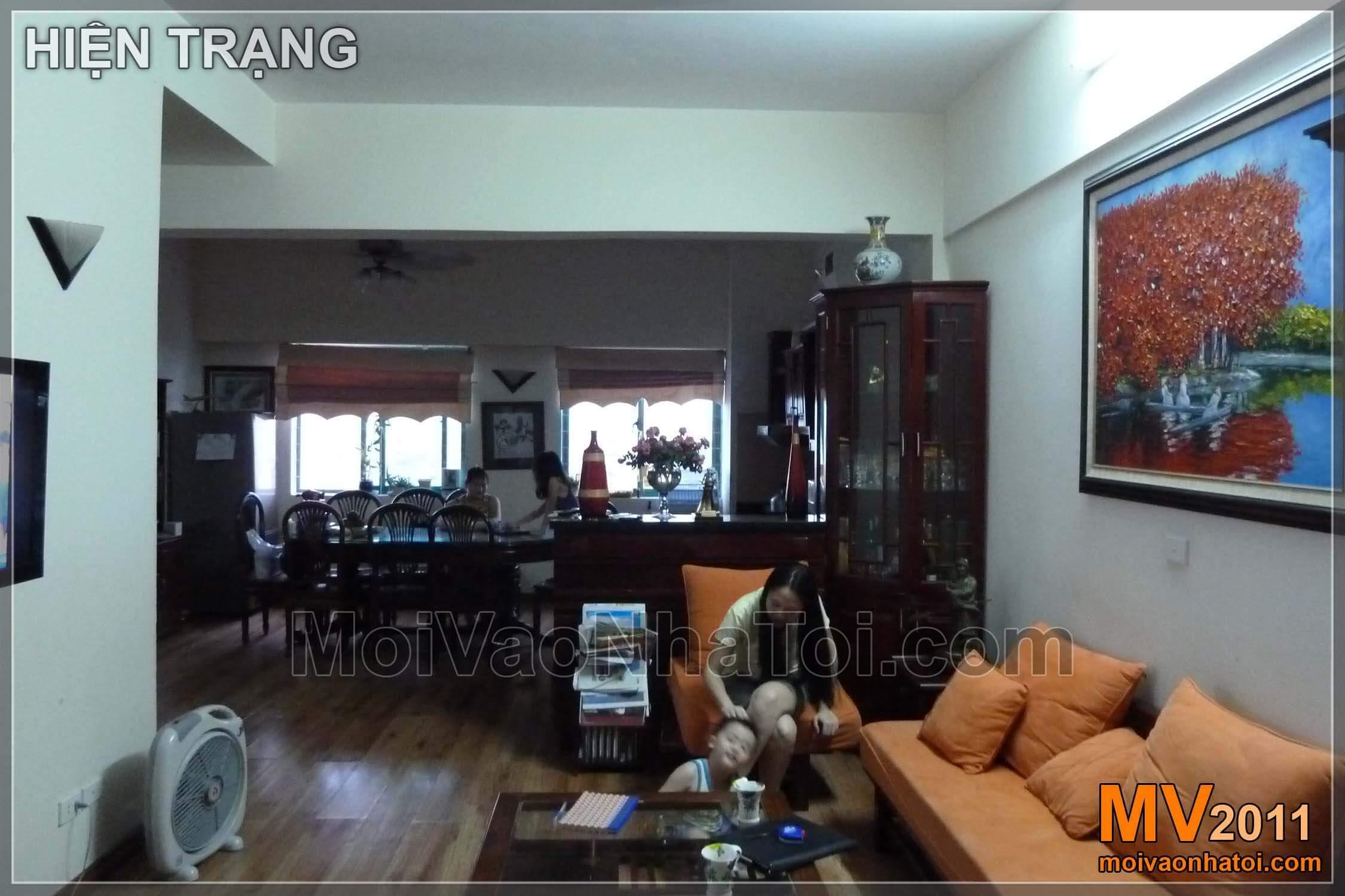 Hiện trạng căn hộ - nhìn từ cửa chính vào phòng khách
