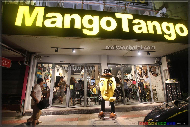 Biển hiệu bắt mắt của cửa hàng Mango Tango
