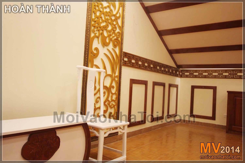 Vách gỗ CNC sơn mạ vàng và các viền gỗ trang trí