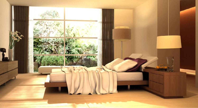 Cửa kính lớn mang ánh sáng thiên nhiên từ ngoài vườn vào phòng ngủ