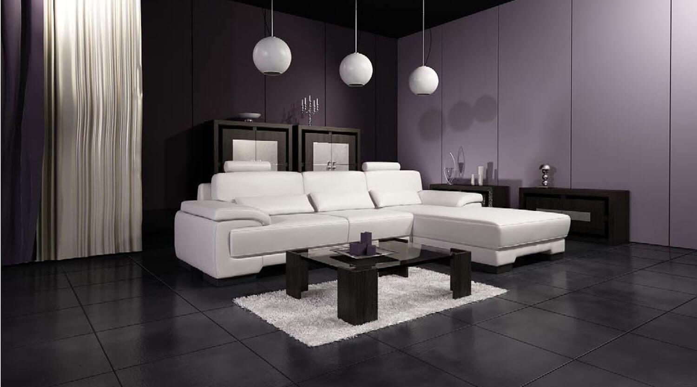 Sự tương phản đẹp mắt được diễn ra giữa đèn, ghế salon và thảm trắng